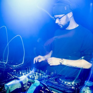 Sunday Grooves ft. DJ Friss